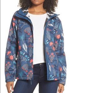 Northface patterned raincoat! ☔️